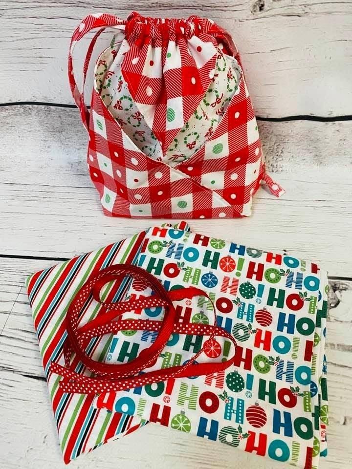 Kit:  Fold It Hold It Ho Ho Ho(makes all sizes) (NEED PATTERN)