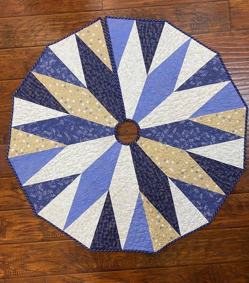 Kit:  Over Under Tree SKirt/Table Topper (NEED PATTERN)