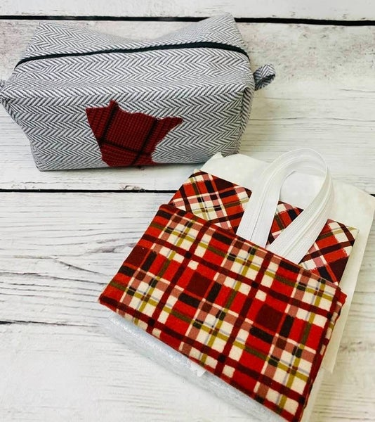 Kit:  Coleen's MN Zipper Pouch Red Plaid