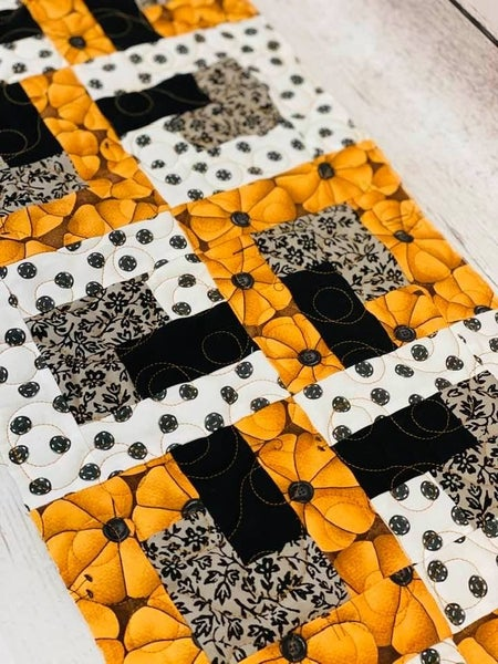 """Kit:  Baby Chains Halloween 12"""" x 48"""" (Inc. Pattern & Backing)"""