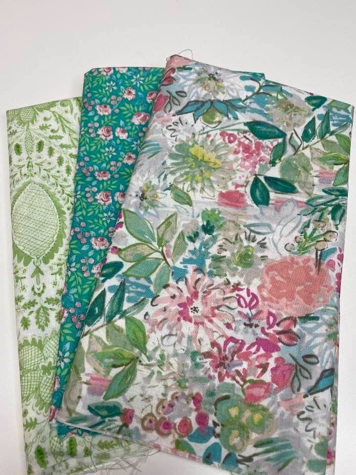 Fat Quarter Bundle (3) Green Tones Flower