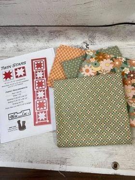 """Kit:  Twin Stars Runner Green 18.5"""" x 78.5"""" (Inc. Pattern)"""