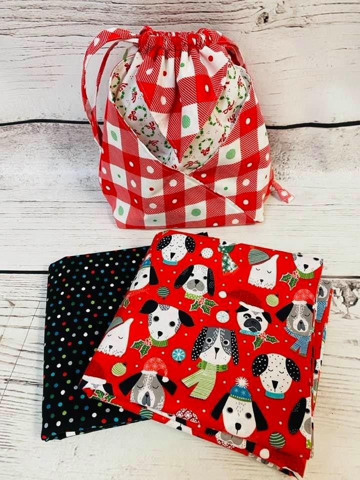 Kit:  Fold It Hold Dogs Christmas (makes all sizes) (NEED PATTERN)