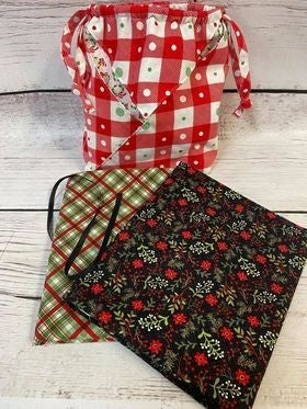 Kit:  Fold It Hold Green Christmas (makes all sizes) (NEED PATTERN)
