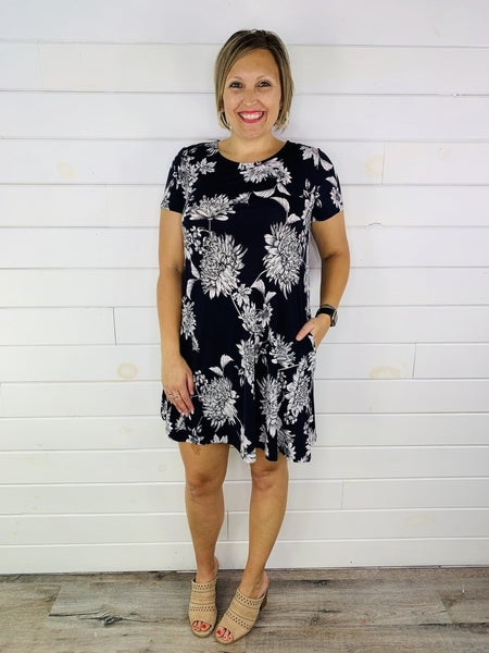 PLUS/REG HoneyMe Navy and White Floral Dress