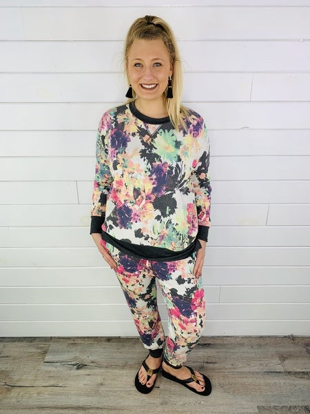 PLUS/REG Honeyme Bright Floral Weekender