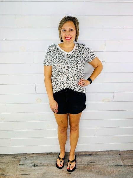 PLUS/REG Judy Blue Black List Nondistressed Shorts