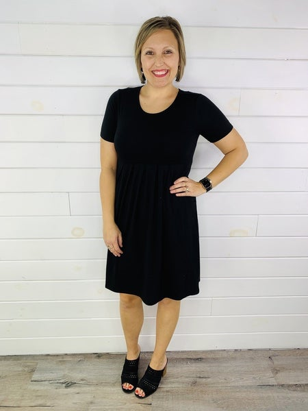 DOORBUSTER Plus/Reg Short Sleeve Dress with Pockets--4 Colors!