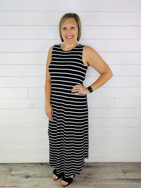 DOORBUSTER Plus/Reg Sleeveless Striped Maxi Dress with Pockets