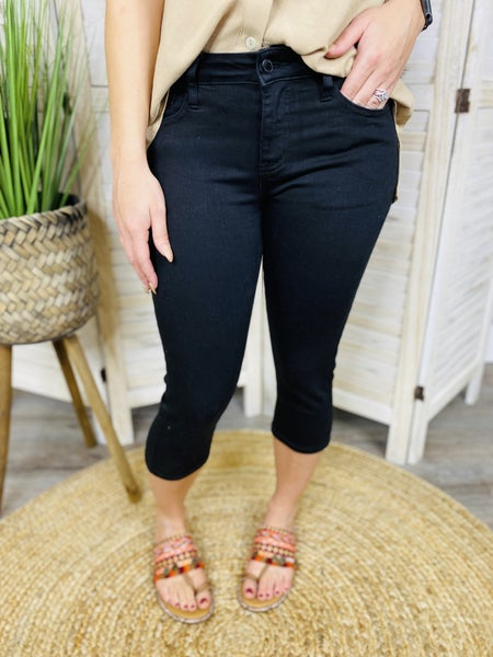 PLUS/REG Judy Blue Black Diamond Capris