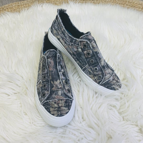 Blowfish Black Hawaiian Night Slip On Sneakers