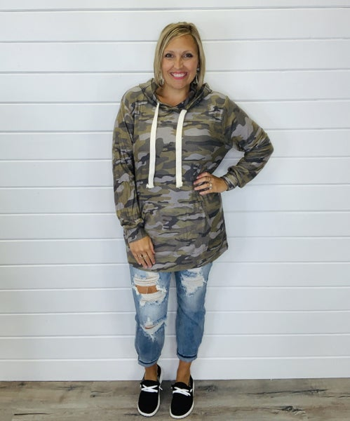 DOORBUSTER PLUS/REG Your Everyday Camo Hoodie