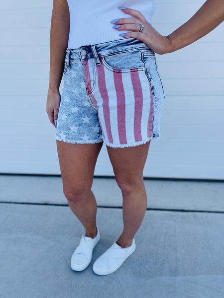 PLUS/REG Judy Blue Star Spangled Babe Shorts
