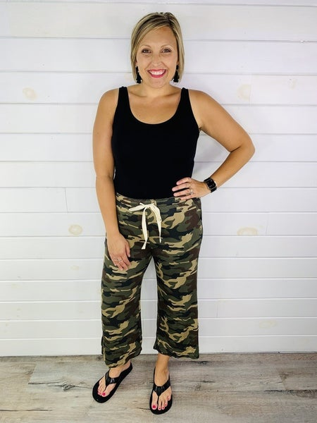 DOORBUSTER PLUS/REG Camo Gaucho Pants