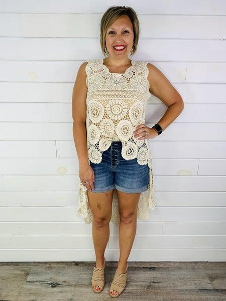 Plus/Reg Judy Blue Hit the reset BUTTON Medium Wash Cuffed Shorts