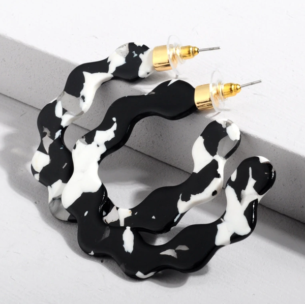 Black and White Acrylic Wave Hoop Earrings