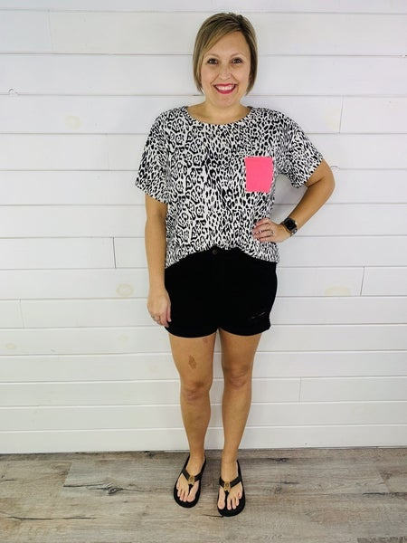 PLUS/REG Judy Blue Back in Black Shorts