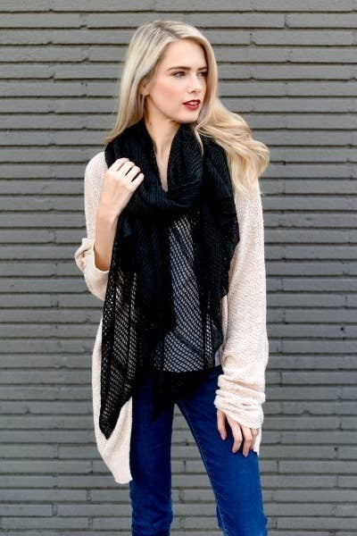 Lightweight Netted Scarf Black