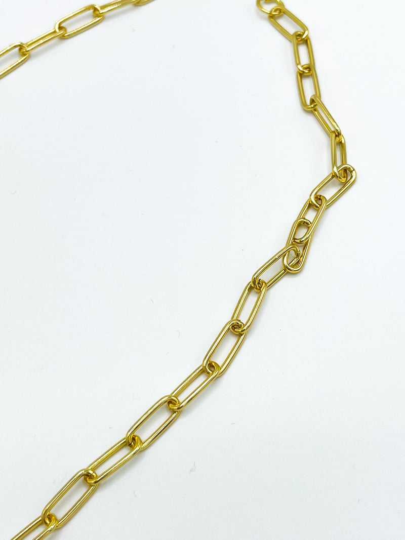 The Callia Gold Chain Necklace W/ Circle Catch And Euro Coin