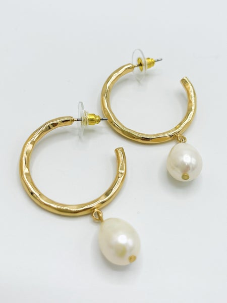 Tallula Hammered Hoop W/ Pearl Drop *Final Sale*