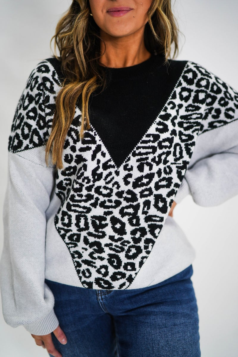 V Design Geometric Sweater *Final Sale*