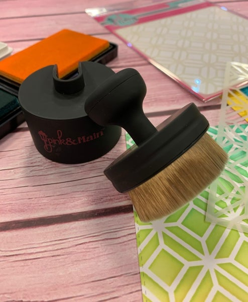 Pink & Main Ergonomic Blending Brush