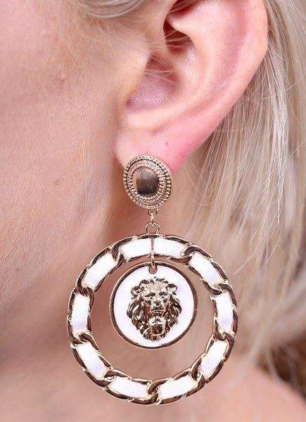Round Braided Chain Link Earring With Lion Head Charm