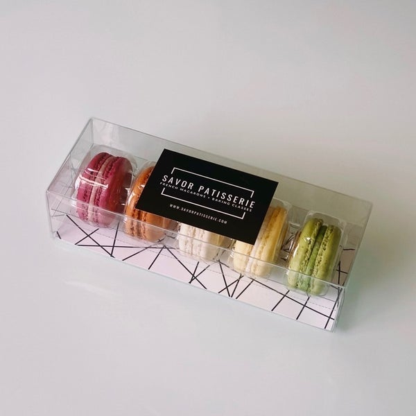 The Classics Box- Macarons