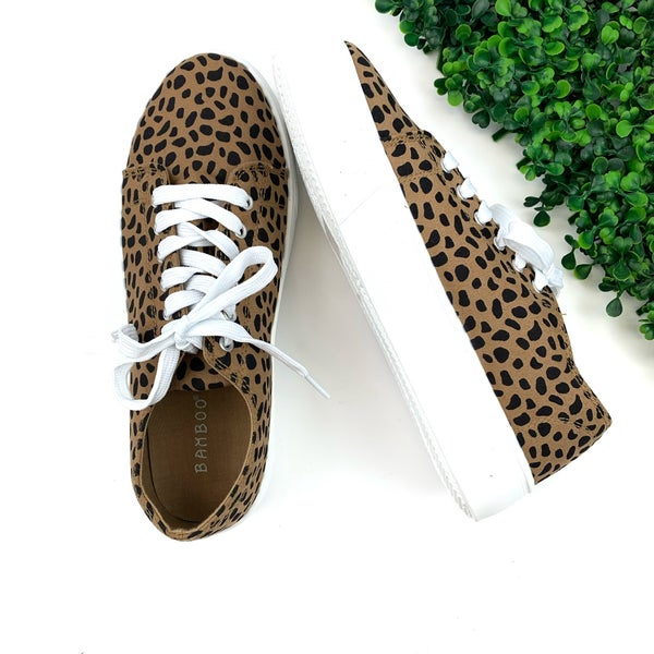 Chase The Stars Sneakers