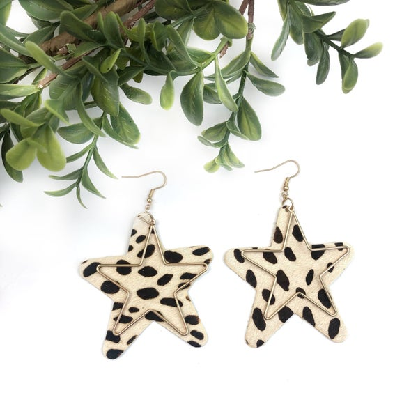 Outlined Star Earrings *Final Sale*