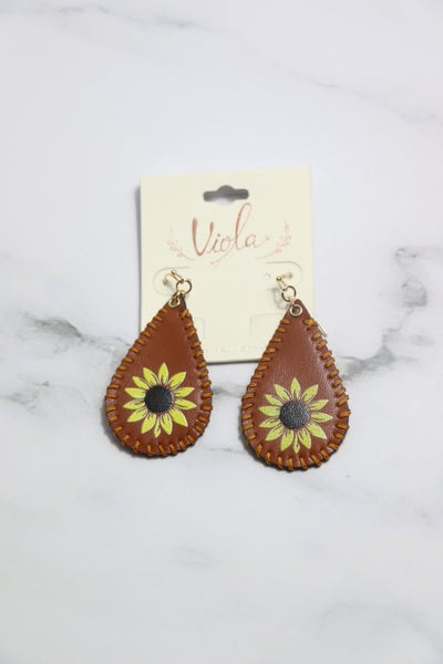 Always On Leather Border Stitch Earring With Sunflower Design