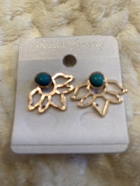 A Place Like This Gold Flower Stud Earring With Turquoise Bead