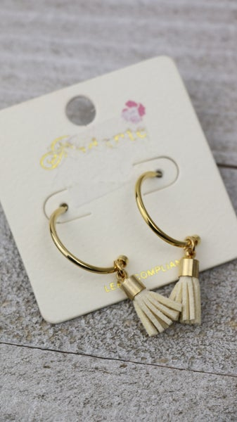 Forever Gold Hoop With Ivory Mini Leather Tassel