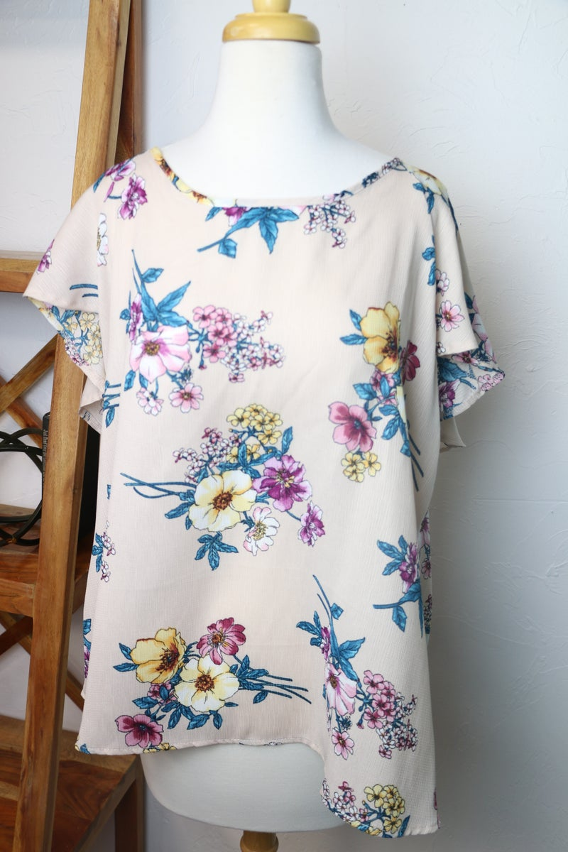 Make it Count Floral Criss Cross Back Short Sleeve Top - Sizes 12-20