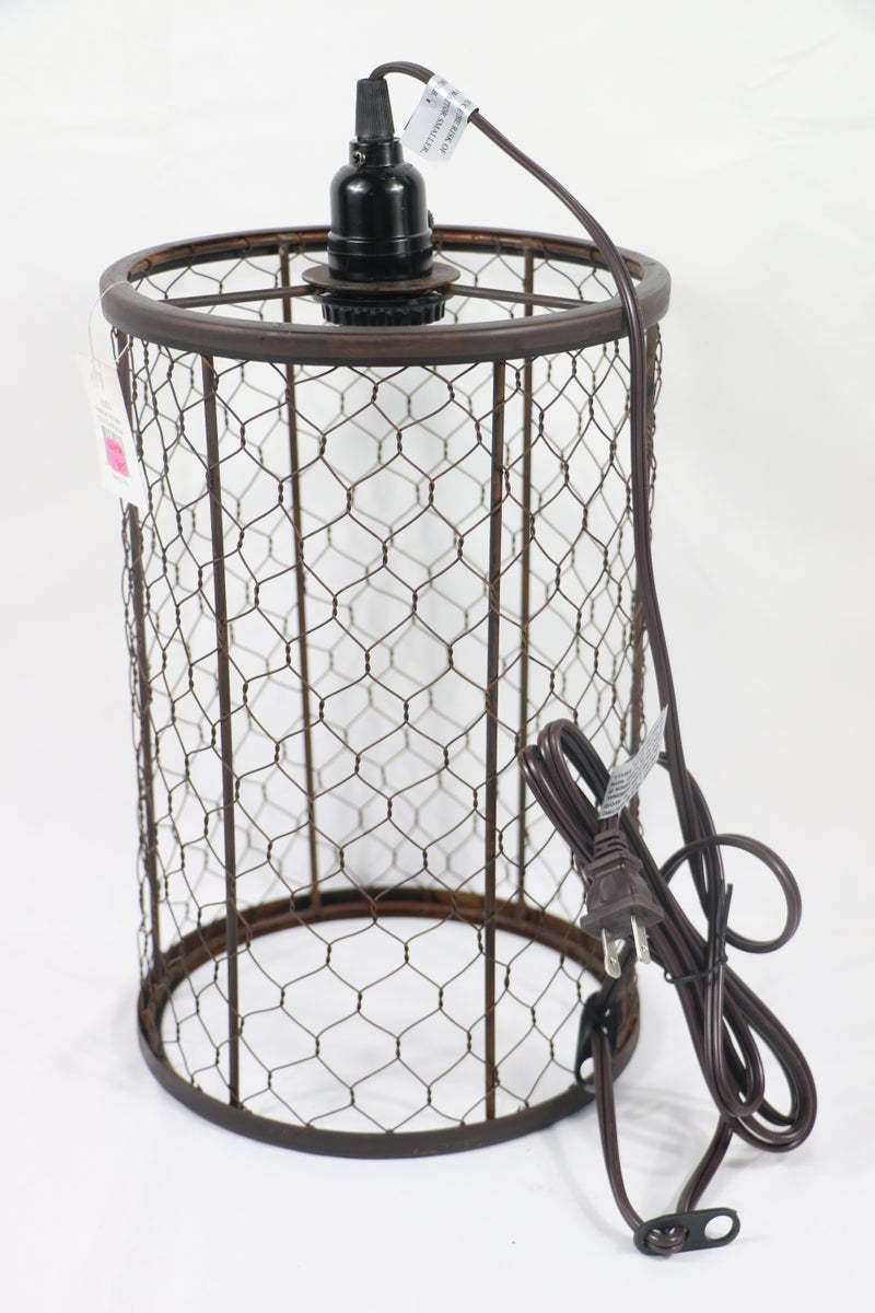 On The Farm Mesh Cylinder Pendant Lamp