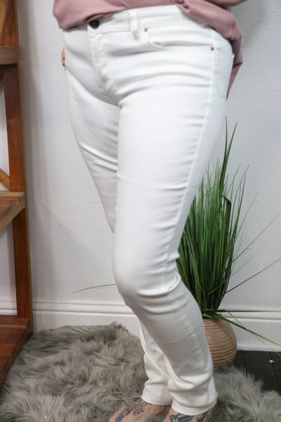 The Londyn White Skinny Jean - Sizes 17-23