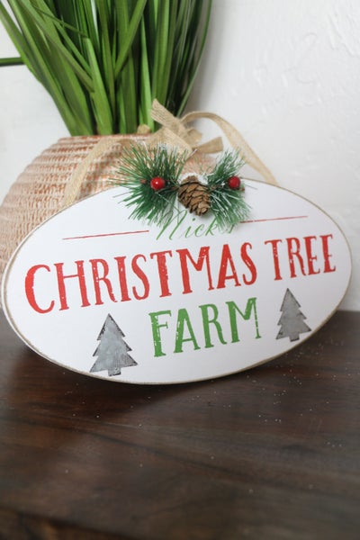 CHRISTMAS TREE FARM Wood Oval Sign With Jute Hanger