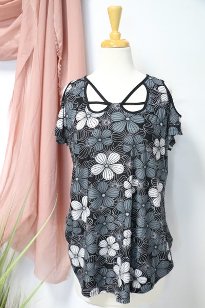 I'm Yours Black & White Floral Cold Shoulder Top WIth Neck Detail- Sizes 12-20