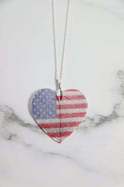 American Pride Silver Necklace With Leaf Shape American Flag
