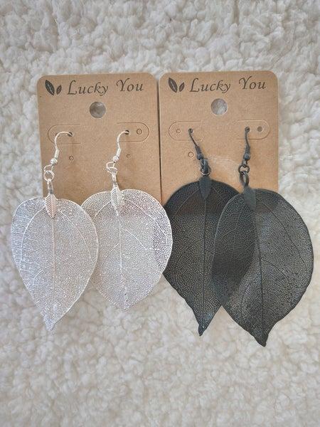 Tasteful Metal Mesh Leaf Shape Earring In Multiple Colors