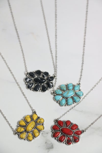Love Is In Bloom Short Silver Necklace With Natural Stone Flower Pendant In Multiple Colors