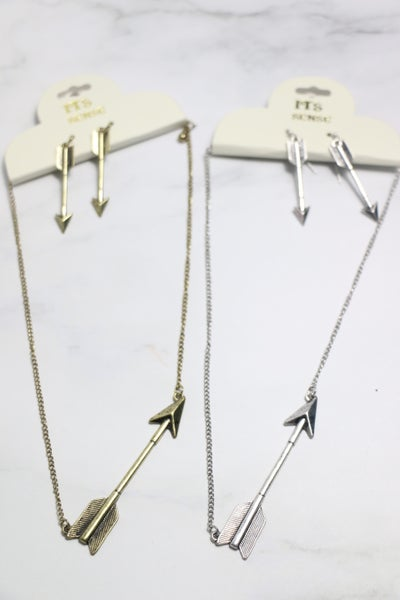 Lead The Way Short Necklace With Arrow Pendant In Multiple Colors