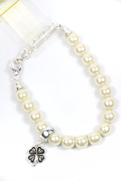 Feeling Lucky Pearl Stretch Bracelet With Four Leaf Clover Charm