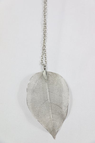 Fall Indeed Long Silver Necklace With Leaf Pendant