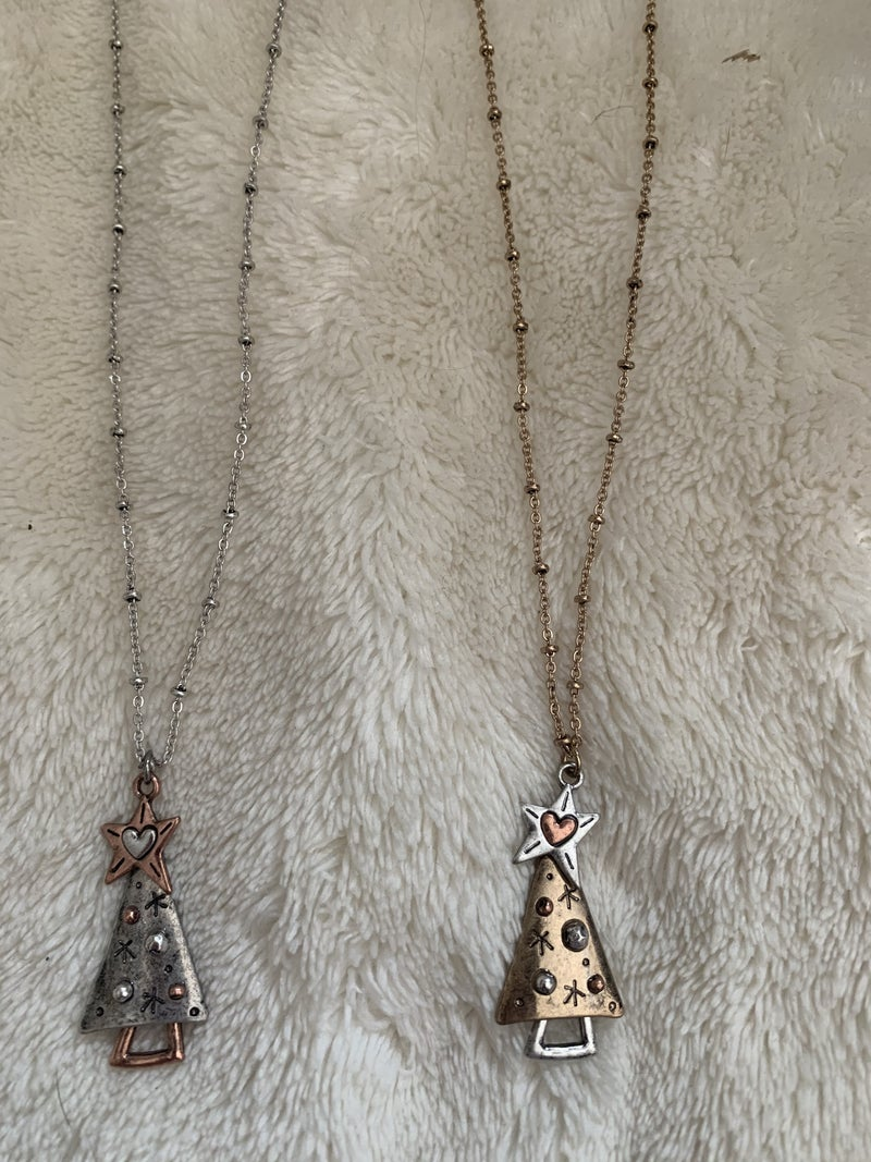 Old Fashioned Christmas Short Necklace With Metal Tree And Star In Multiple Colors