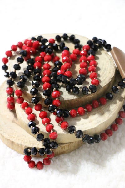 Black Widow Point Of Perfection Beaded Necklace