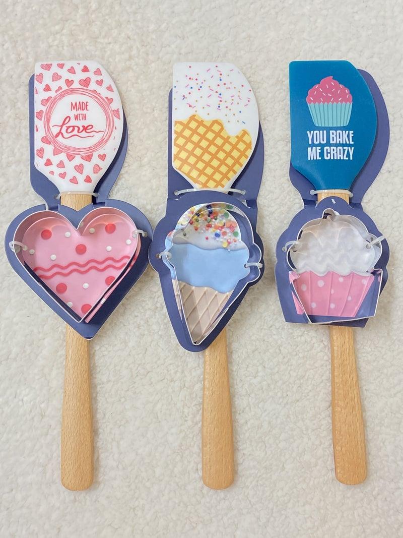 Oh So Cute Spatula & Cookie Cutter Set in Multiple Print