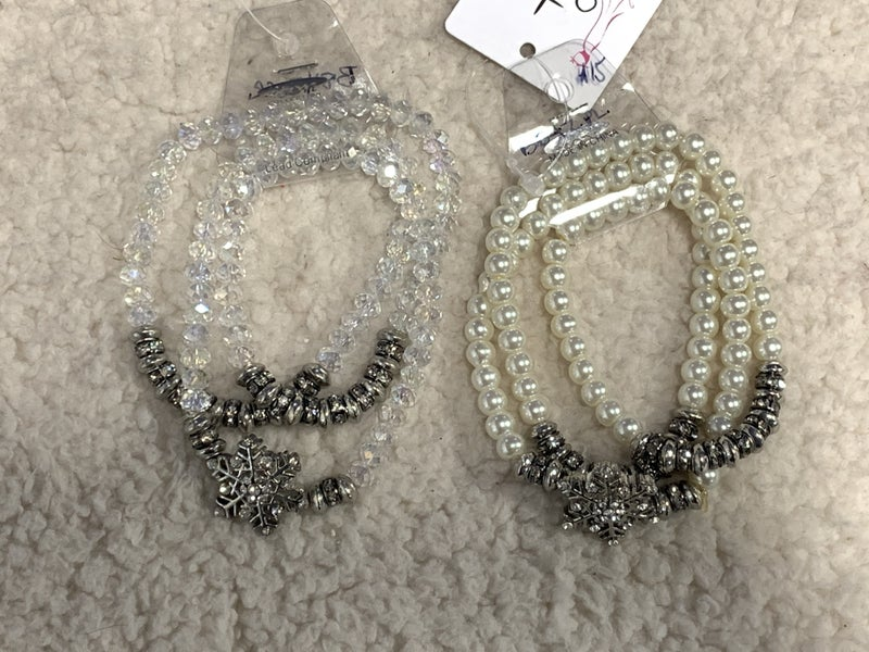 Christmas Dance 3 Strand Stretch Bracelet With Silver Snowflake In Multiple Colors
