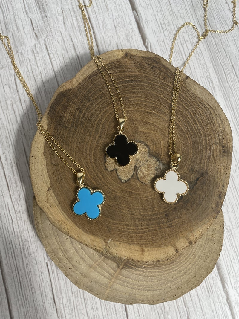 Lucky Short Gold Necklace With Clover Pendant In Multiple Colors