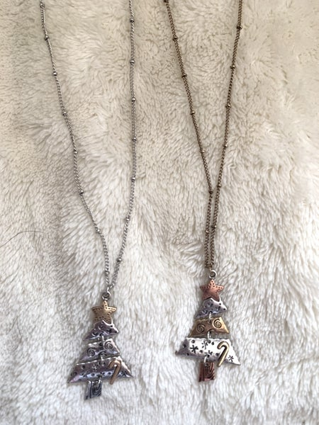 Oh Christmas Tree Short Metal  Segmented Tree Necklace In Multiple Colora